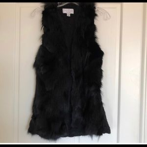 Black fur vest adorable size medium